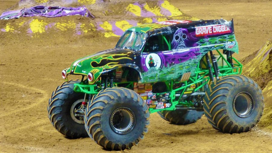 Credit%3A+Grave+Digger%2C+after+Monster+Jam+in+St+Louis%2C+MO%2C+2014+by+OverLord%2C+KAZ+Vorpal+is+licensed+under+CC+by+3.0